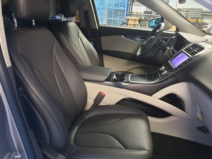 Interior-Front Seats.jpg