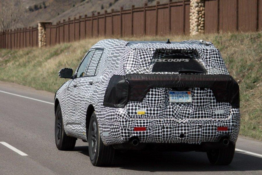 2020-Ford-Explorer-14Carscoops.thumb.jpg.34f03571d6a2f5893f1604d10f5d033e.jpg